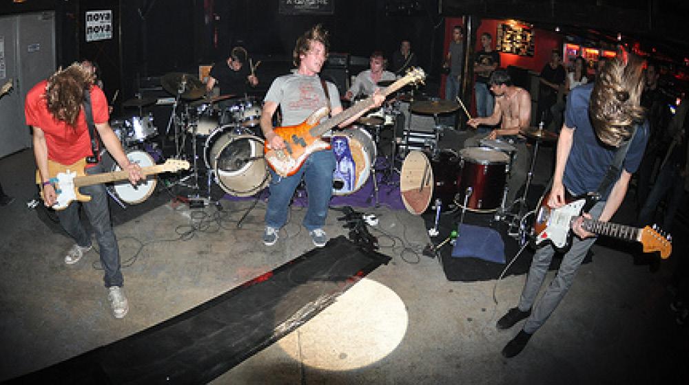 HM-band-02-ActionBeat